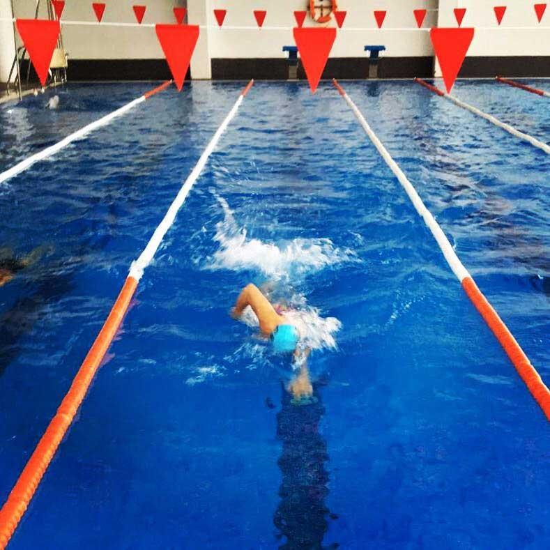 jose almagro nadando